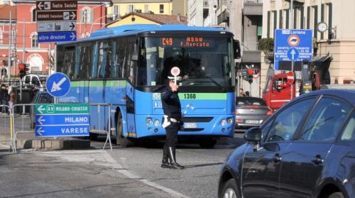2065775-bus_como