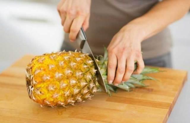 Como Descascar Abacaxi Facilmente 2