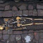 El misterio de la mujer que dio a luz después de ser enterrada