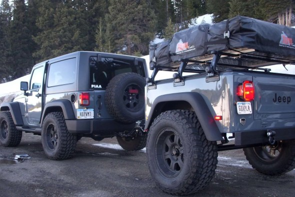 Dinoot Jeep matching trailer with vanity plate GOXPLR
