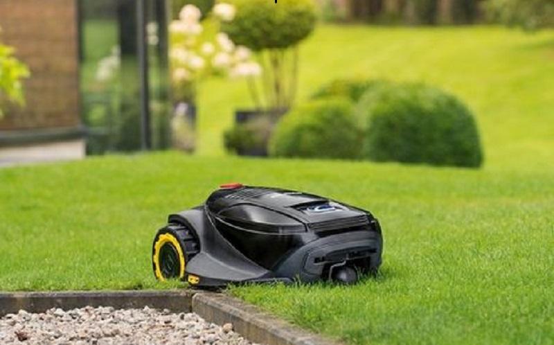 Robot-tondeuse-Cub-Cadet-XR21000-1