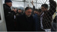 The Deputy Interior Minister at the Amygdaleza detention centre (Photo: Eurokinissi)