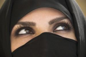 woman face burqua
