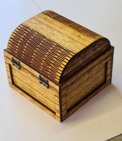 Small treasure chest rear