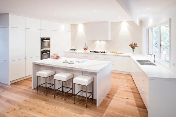 Streamlined Style Kitchen Design - Completehome