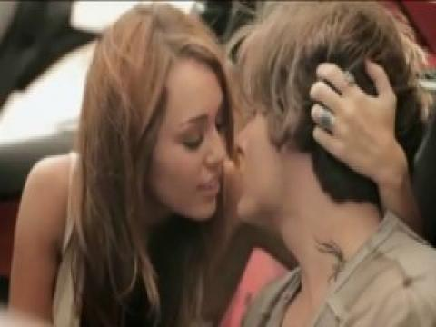 Miley Cyrus Sexy Scene Softcore Athletic Ass Celebrity Nude