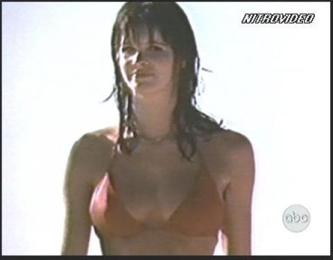 Elle Macpherson Nude Scene Tab Commercial Semi Nude Scene Hd