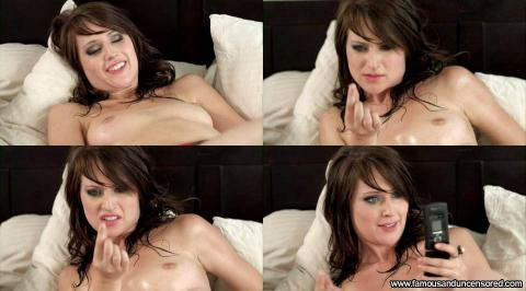 miley cyrus lesbian naked