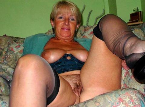 Makayla Granny Average Housewife Milf Showing Ass Mature Xxx