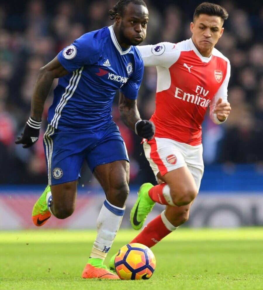 Gullit: Moses Stronger Than Alonso At Wing-Back