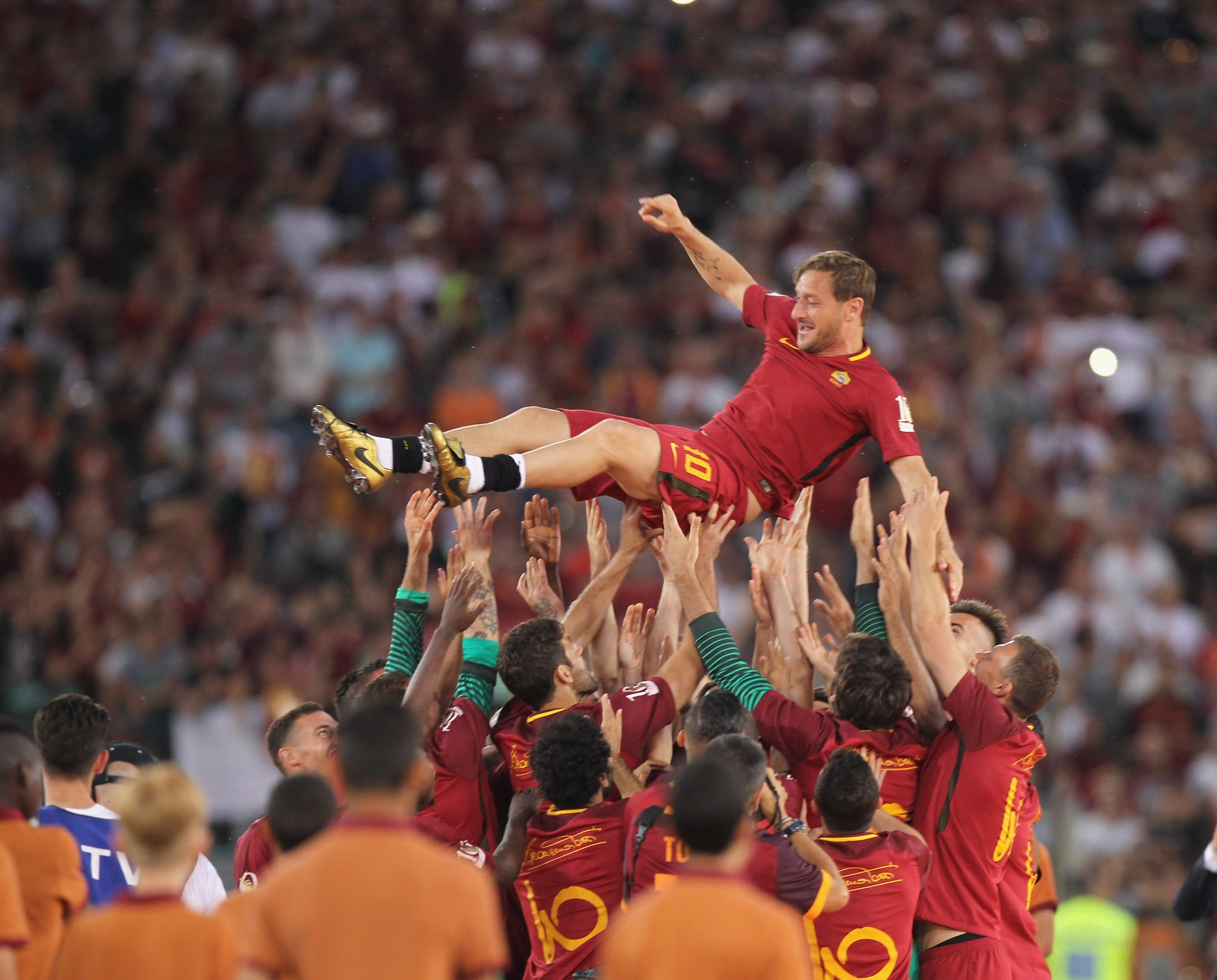 GOODBYE: Totti Retires From Professional Football