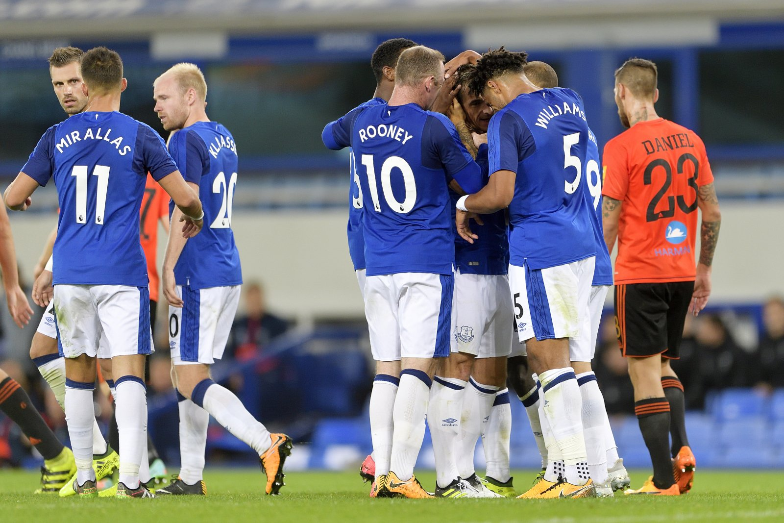 Europa: Hassan Opens Account, Rooney Struggles, Simon's Gent Held