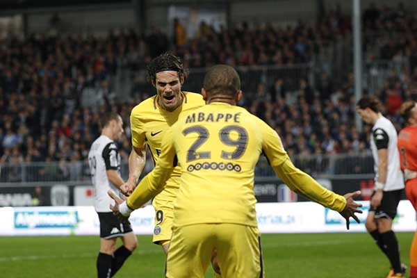 Cavani Hits Goals Milestone As PSG Thrash Angers