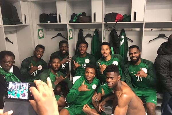 Rohr To Keep Faith With Akpeyi, Happy With Uzoho