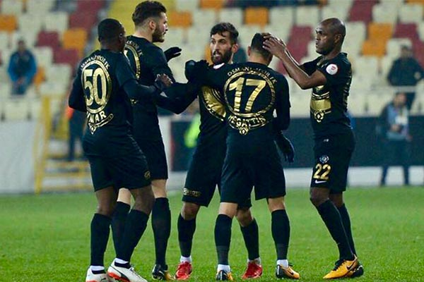 Umar Bags Brace As Osmanlispor Overcome10-Man Akhisar Belediye