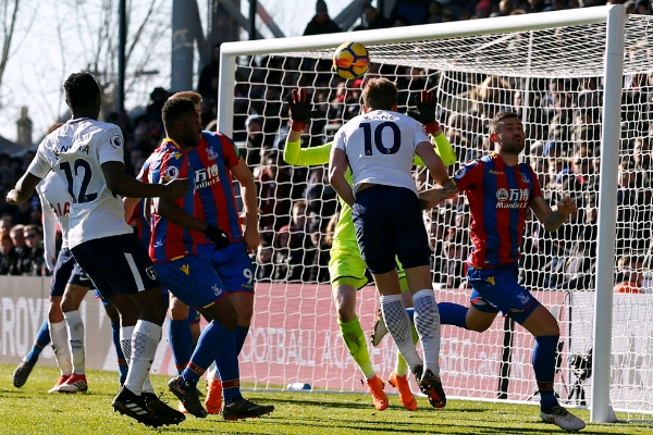 Kane Heads Tottenham Past Crystal Palace Into EPL Top Four