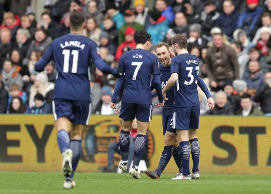 Tottenham Ease Past Swansea, Reach Second Straight FA Cup Semi-Final