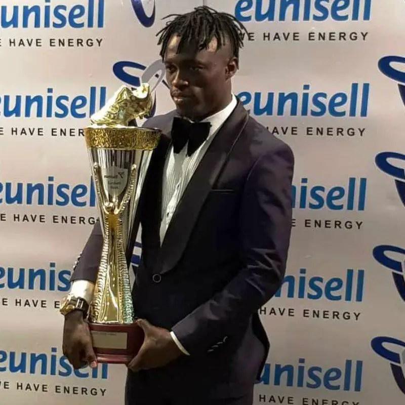 Lokosa Thrilled To Receive N3.8m,Trophy  As NPFL Top Scorer