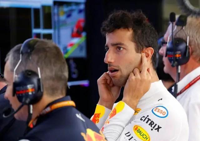 Ricciardo Targets Ferraris In Red Bull Finale