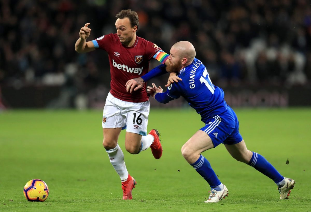 Noble Extends Hammers Stay