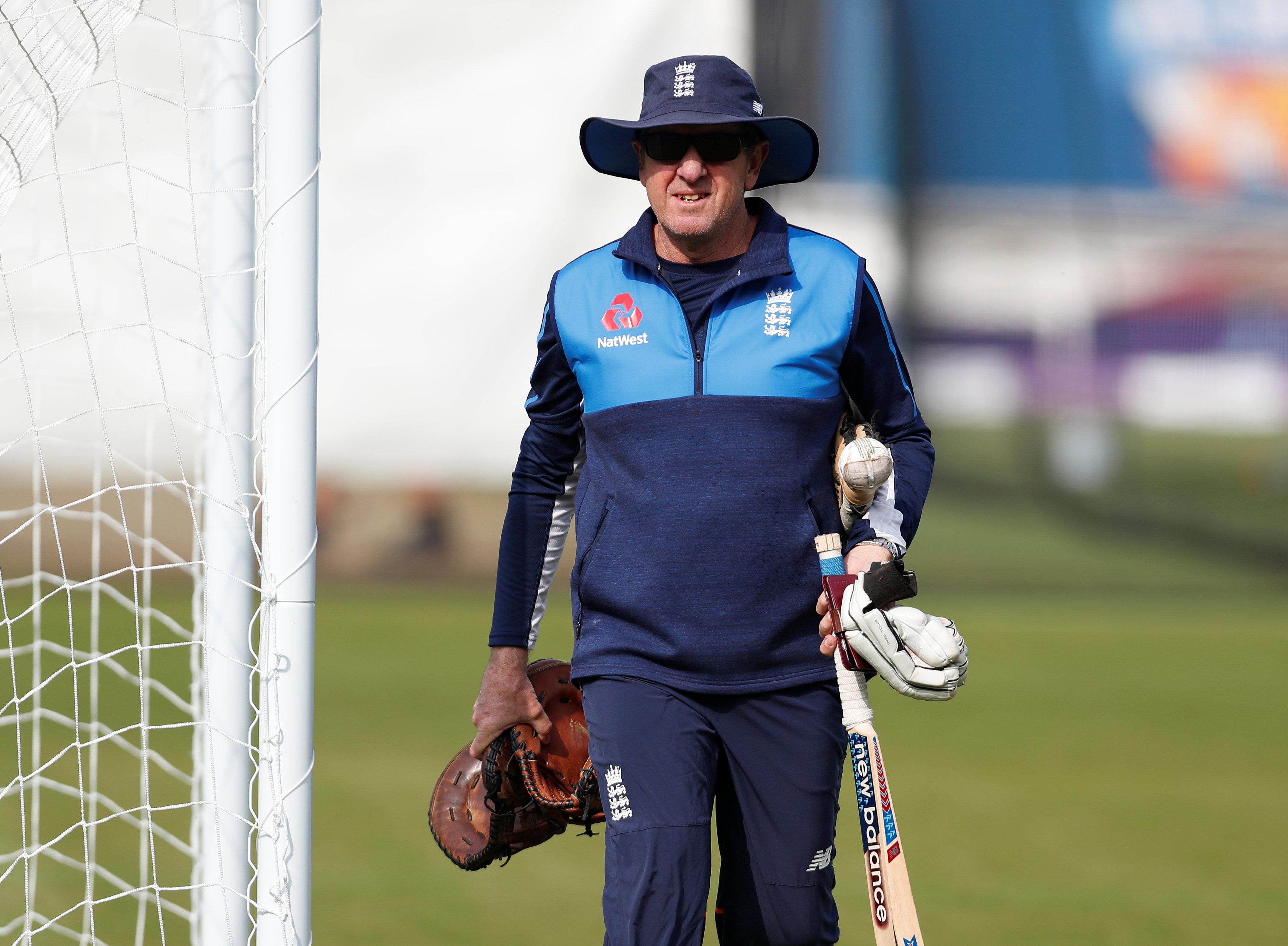 Bayliss Split On England Exit