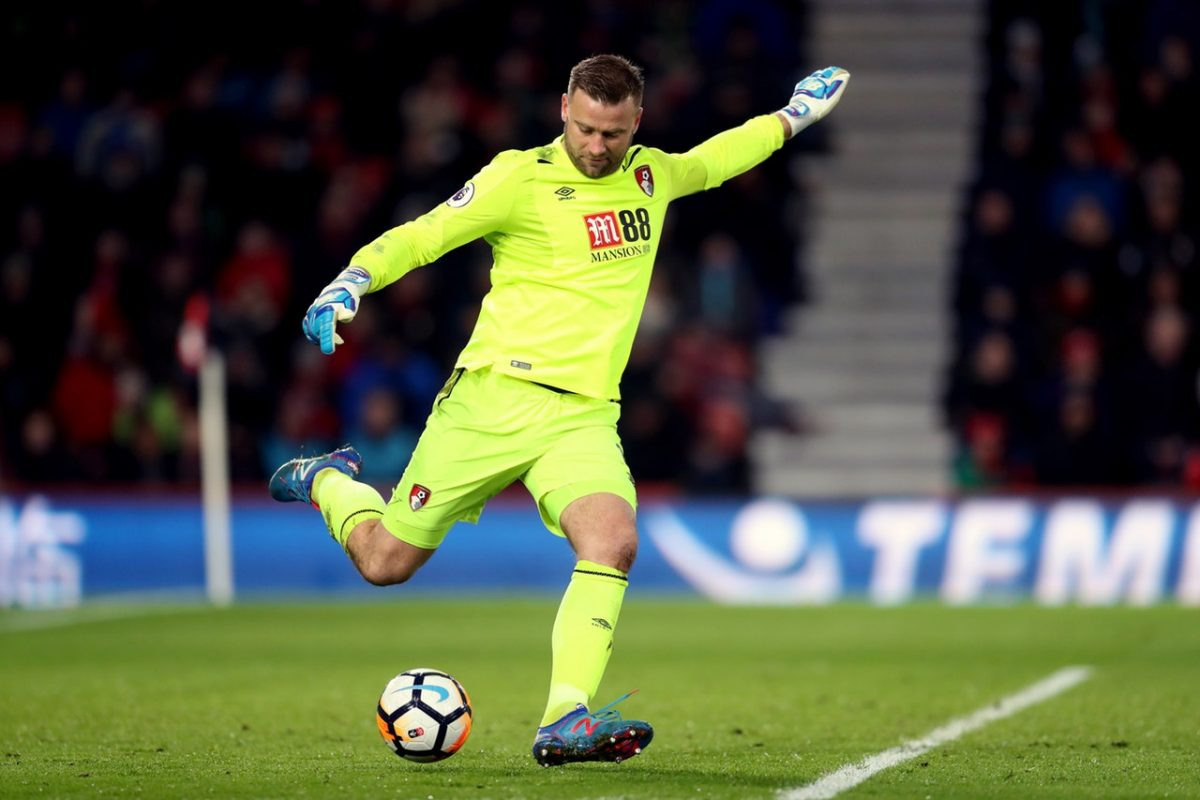 Howe – Boruc Can Carry On