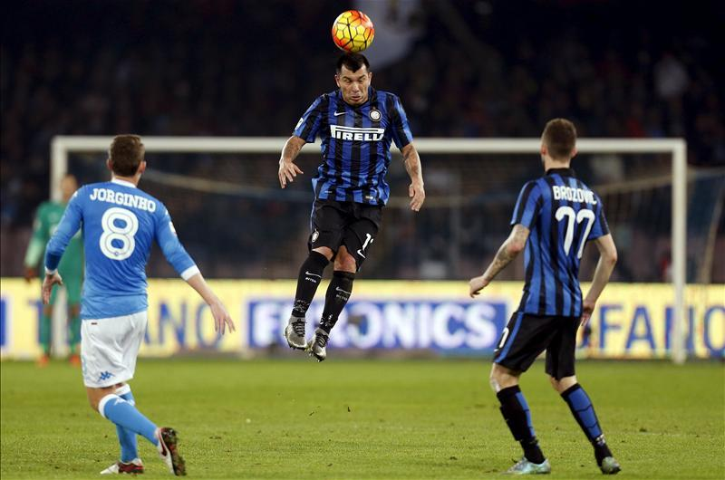 Medel 'Close' To Hammers Switch