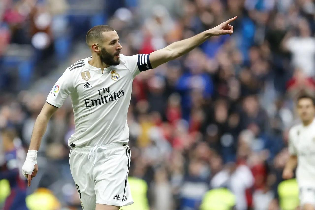 Zidane Cools Double Exit Talk