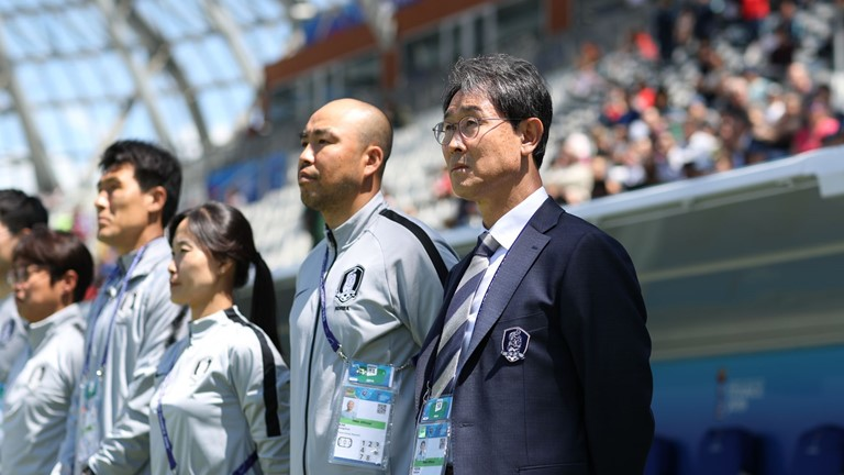 Korea Rep Coach Dukyeo Apologises To Countrymen For Defeat To Nigeria