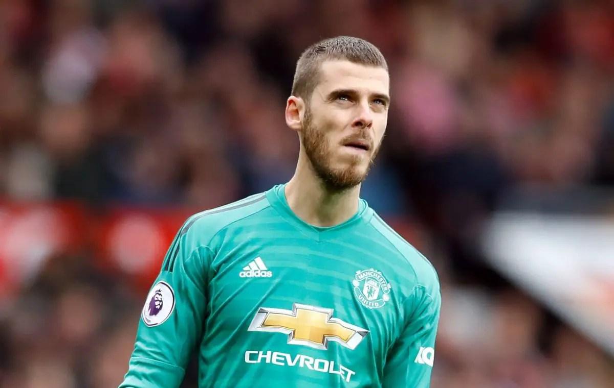 United Move To Tie Down De Gea