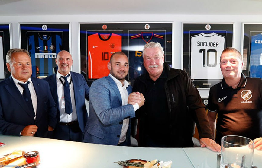 Sneijder Retires As Professional Footballer, Becomes Utrecht Director