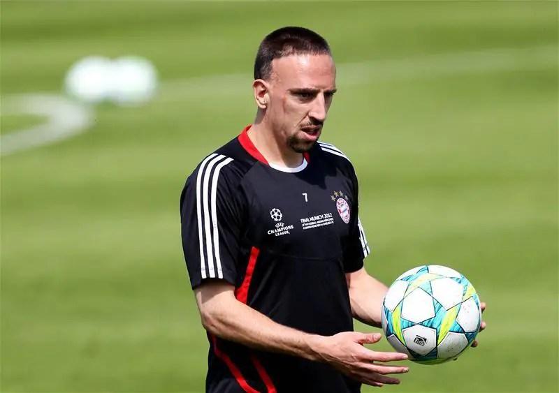 Ribery Completes Viola Move
