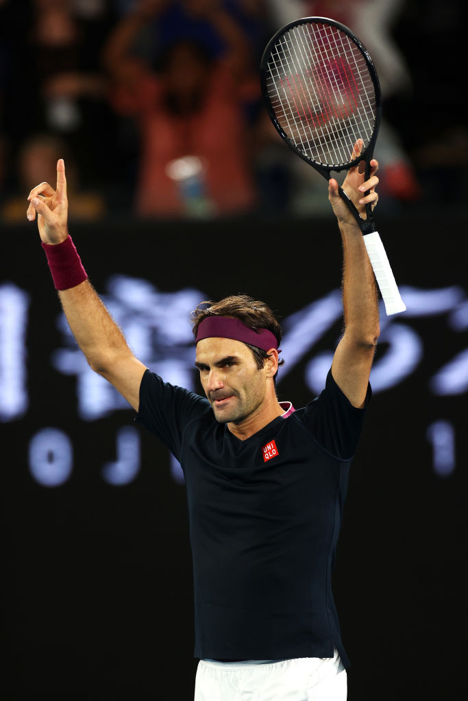 Federer Reaches Australian Open Quarter-Finals With Win vs Fucsovics