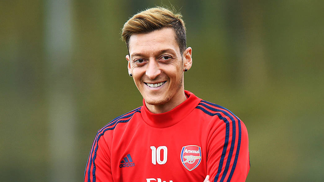 Fenerbahce President Asks Fans To Help Fund Ozil's £13m Salary