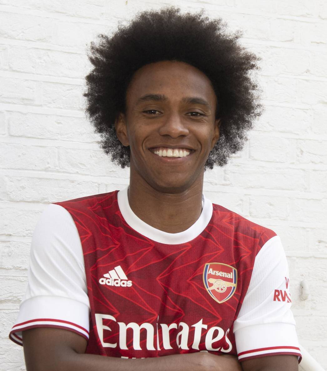 Willian Joins Arsenal On Three-Year Deal