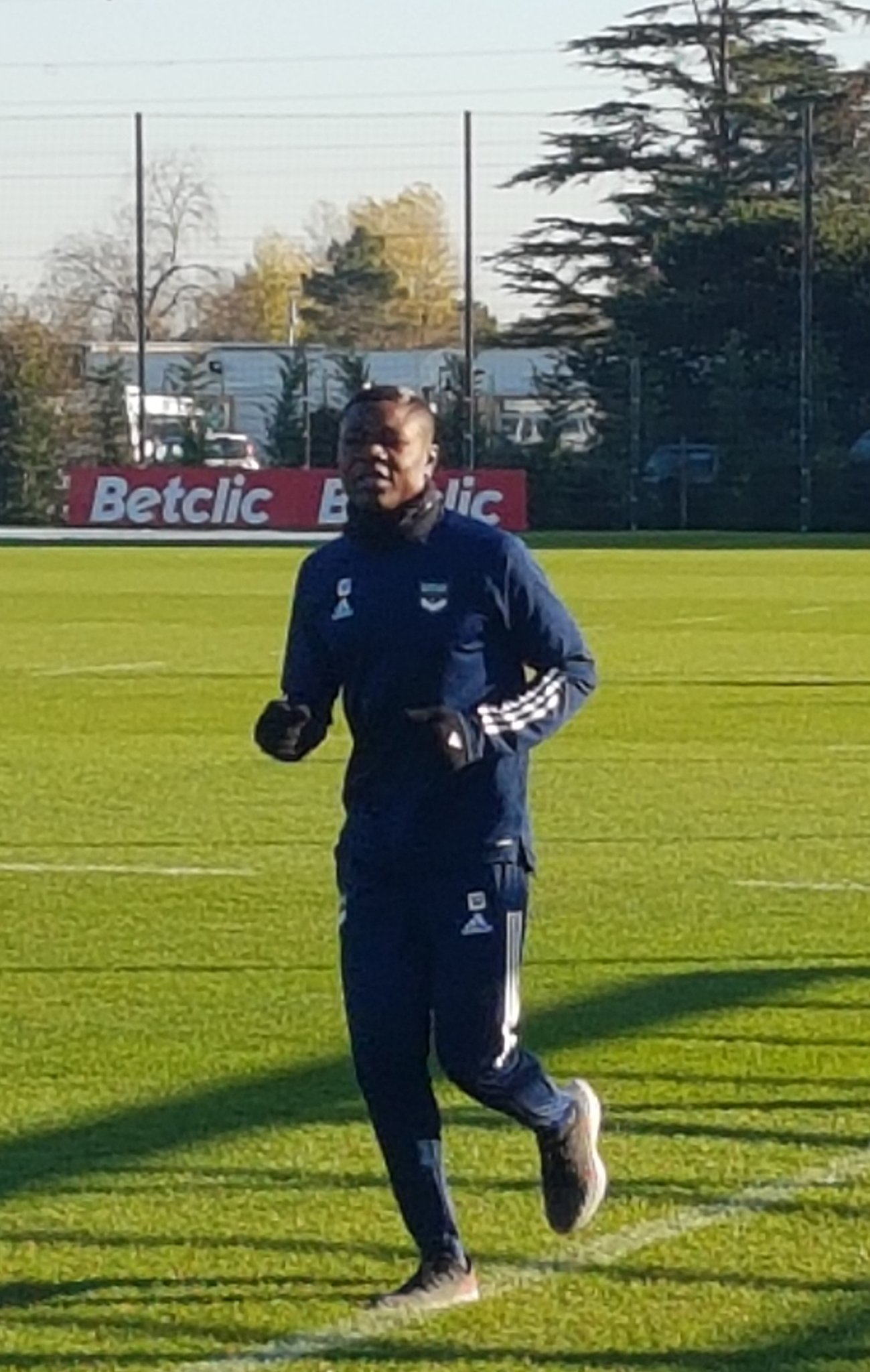 Kalu Returns To Bordeaux Traning Ahead PSG Clash