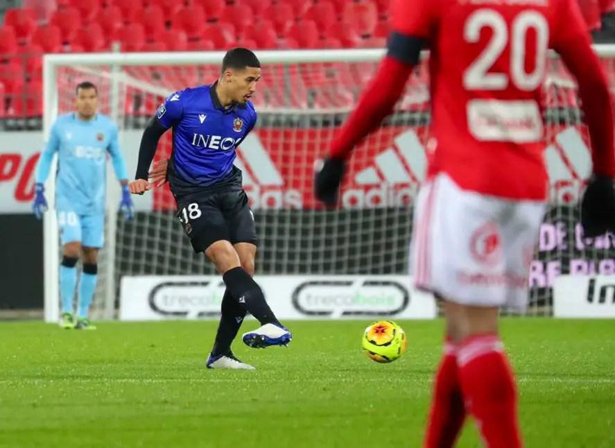 Arsenal On Loan Defender Saliba Endures Nightmare Debut For Nice