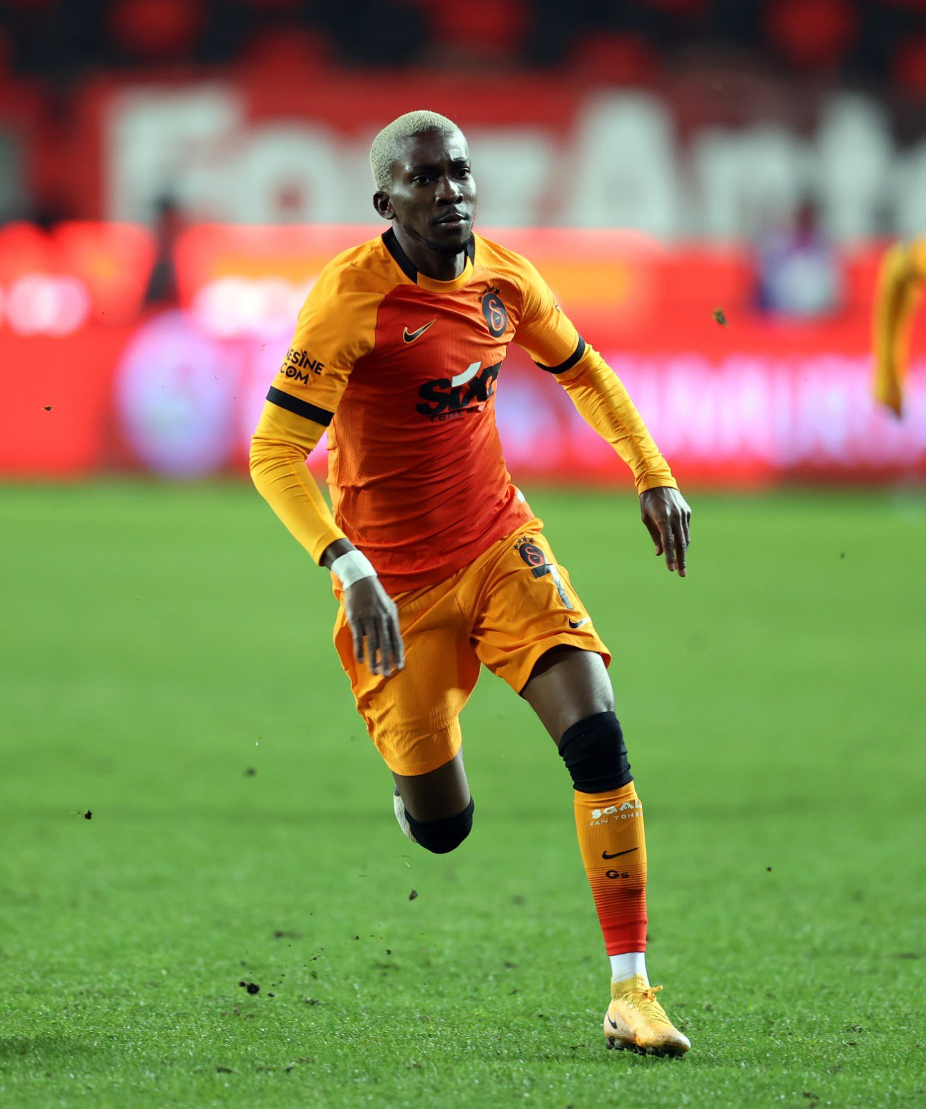 Turkey : Onyekuru Shines As Galatasaray Stun Fenerbahce Away