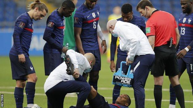 Martial Set To Miss Rest Of Season With Knee Injury