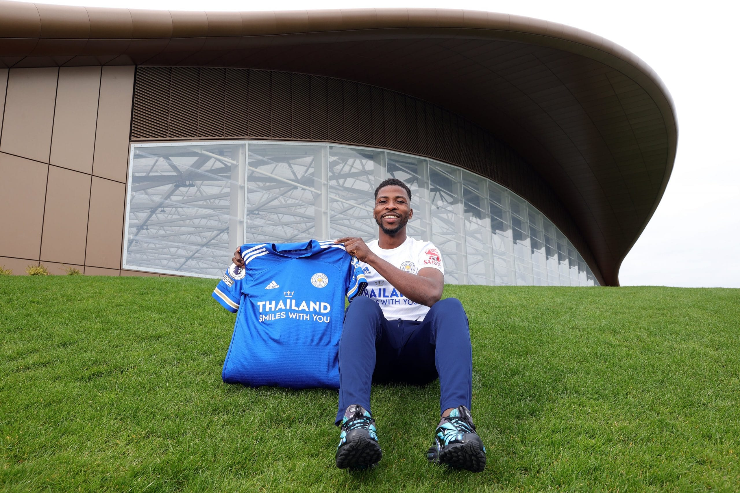 BREAKING: Iheanacho Signs New Leicester City Contract