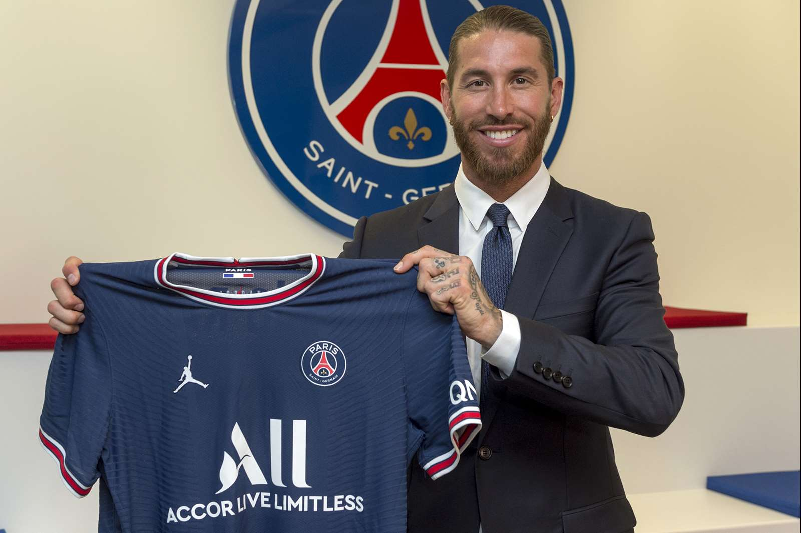 OFFICIAL: Ramos Joins PSG On Two-Year Contract