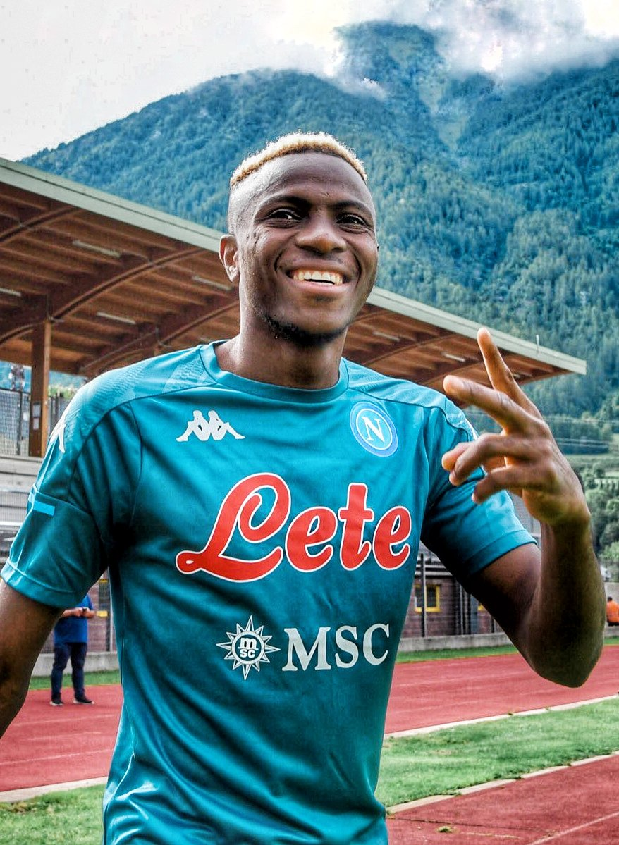 'We Want You To Stay, Top Scorer' –Napoli Fans Woo Osimhen On First Day Of Pre-Season