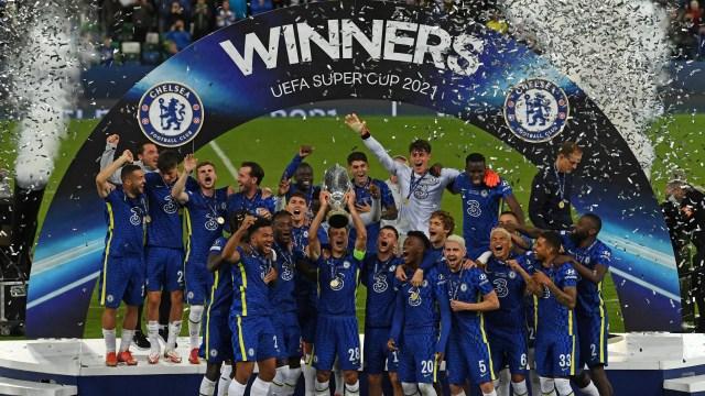 Mikel Celebrates Chelsea Super Cup Win Over Villarreal