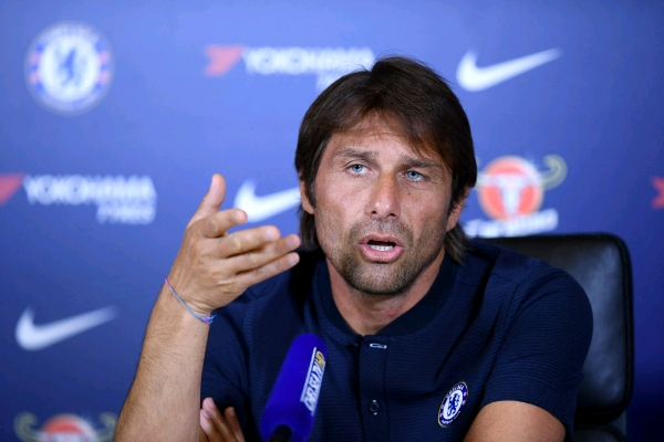 "Morata Injury ""Worries"" Conte, Giroud Could Start Vs West Brom; Chelsea Boss Not Leaving"