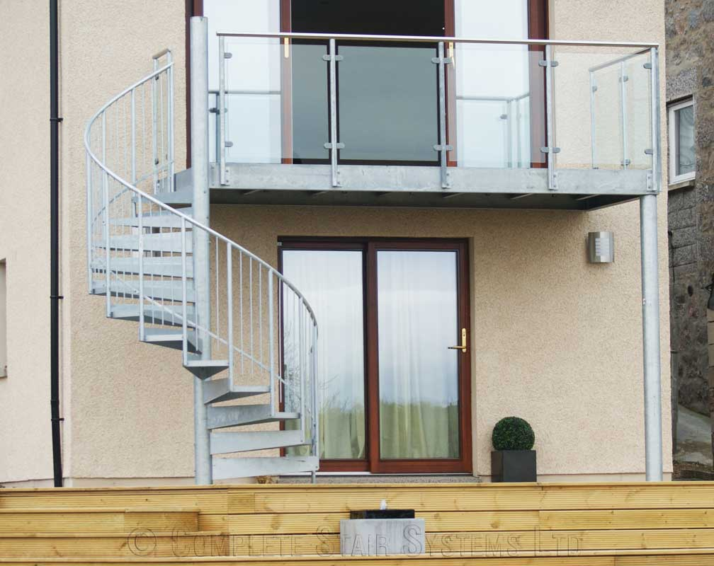 Bespoke spiral staircase Aberdeen in steel with balcony
