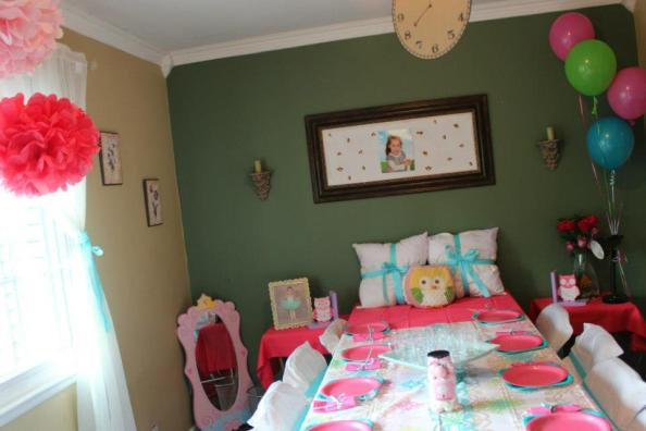 Decorating ideas for a night owl pajama party