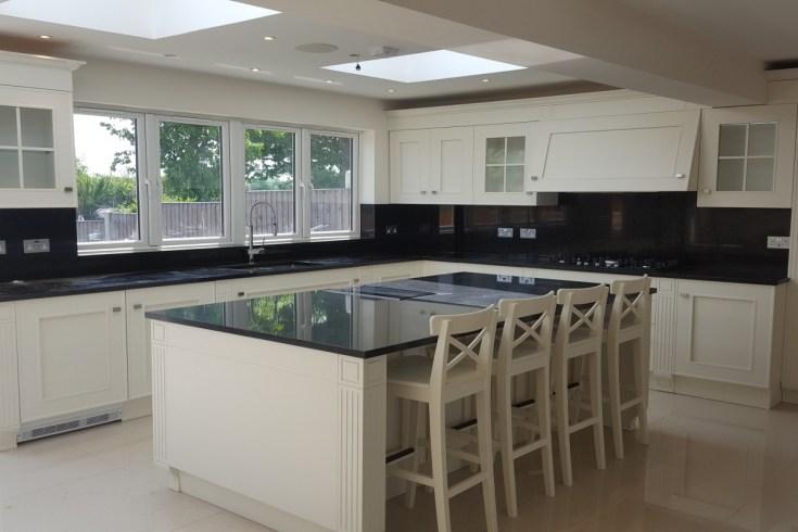 melograno - classic white island kitchen - composit kitchen