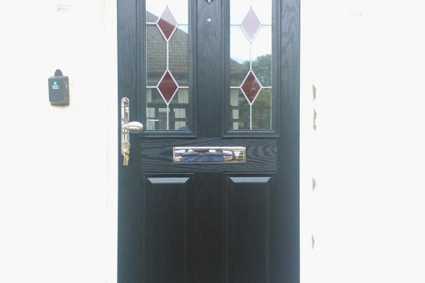 Black-2-Panel-2-Arch-Global-Composite-Door-3
