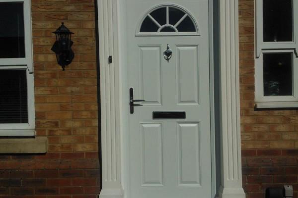 White-4-Panel-1-Sunburst-Global-Composite-Door-6