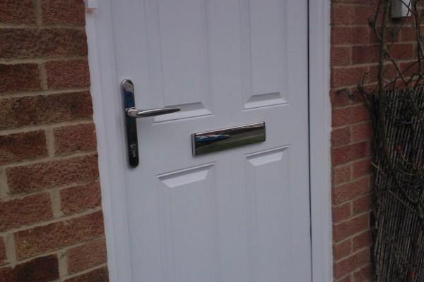 White-4-Panel-2-Square-Global-Composite-Door2